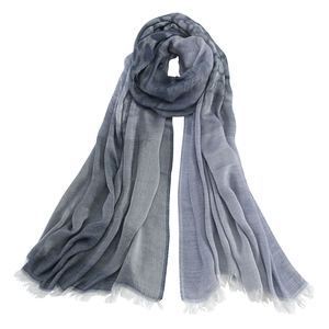 Image AVvOLTO Blue to White Shadow Leopard Ombre Scarf